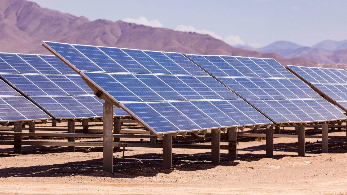 new-solar-panels-suck-water-air-cool