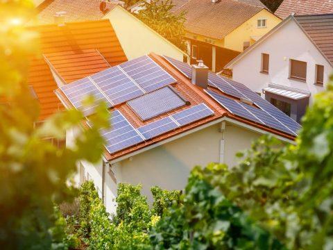solar-power-can-cut-bills-carbon-footprint