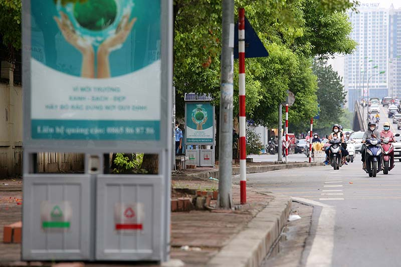 project-install-11000-solar-energy-dustbins-underway-hanoi-2